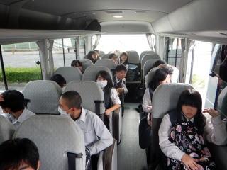 バス移動中
